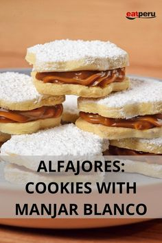 Absolutely irresistible, the only problem with these buttery, melt-in-the-mouth Alfajores cookies filled with amounts of Manjar Blanco is how to stop yourself from eating too many in one sitting!  #PeruvianCookies #Alfajores #ManjarBlanco #Cookies #PeruvianDesserts Peruvian Desserts, Peruvian Cuisine, Peruvian Recipes, Biscuits, Sweet Pastries, The Fresh, Easy Desserts, Blancmange, Desserts