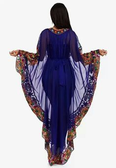 Elegant African kaftan dress for women African Fashion Skirts, African Print Dresses, African Dress, African Attire, African Wear, African Women, Hijab Fashion, Girl Fashion, Fashion Outfits