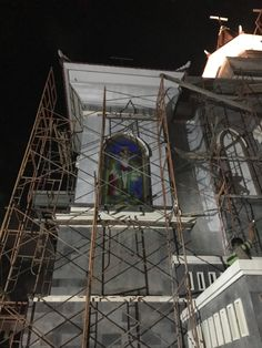 proses instalasi kaca patri di gereja HKBP bali Outdoor Lighting, Indoor Outdoor, Stained Glass, Fair Grounds, Cabin, House Styles, Building, Places, Travel