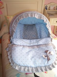 maxi-cosi Bassinet, Baby Car Seats, Comforters, Diaper Bag, Blanket, Furniture, Seat Covers, Baby Baby, Home Decor