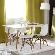 Amazon.de: Nakura Set aus 4 Esszimmerstühlen mit Tower Design, Weiß, 149 Euro