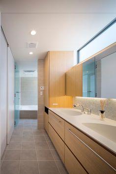 洗面台が埋め込み、鏡裏収納