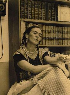 Frida in her study, ca. 1949 Photo by Antonio Kahlo, son of Cristina KahloCourtesy Frida Kahlo Museum Collection© Bank of Mexico Fiduciary in the trust relative to the Frida Kahlo Museum and Diego Rivera [content:shareblock] Diego Rivera, Natalie Clifford Barney, Frida E Diego, Frida Art, Fridah Kahlo, Mexican Artists, Mexico City, Amazing Women, Faces