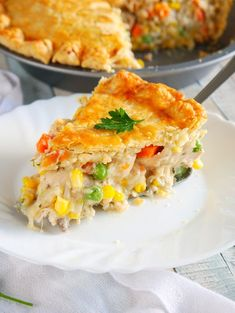 Could You Eat Pizza With Sort Two Diabetic Issues? Simple Chicken Pot Pie Recipe You Can Make With Shredded Rotisserie Chicken Semi Homemade Filing That's Easy To Throw Together For A Great Dinner. Homemade Chicken Pot Pie, Chicken Recipes, Homemade Pot Pie Recipe Easy, Simple Pot Pie Recipe, Onion Recipes, Top Recipes, Semi Homemade, Rotisserie Chicken, Food To Make
