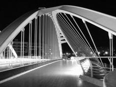 Puente Bac de Roda. Design by Santiago Calatrava.