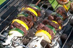 veganske greske grillspyd oppskrift Tzatziki, Frisk, Quesadilla, Paella, Food And Drink, Beef, Desserts, Deserts, Quesadillas