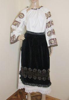 Banat old costume Waist Skirt, High Waisted Skirt, Costumes For Sale, Folk Costume, Romania, Ethnic, Traditional, Skirts, Handmade