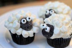 Ostermuffins Schafe selber backen und mit Marshmallows dekorieren