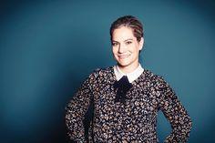 Startup-Gründerin und CEO der Firma 4di2 GmbH Interview, Schneider, Button Down Shirt, Men Casual, Shirt Dress, Blazer, People, Mens Tops, Jackets