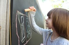 When I saw this idea for an outdoor chalkboard on Ohdeedoh last week, I instantly wanted one in our backyard too. And I knew just the dad. Outdoor Play Spaces, Outdoor Art, Outdoor Ideas, Outdoor Classroom, Outdoor School, Outdoor Chalkboard, Summer Fun, Cool Kids, Backyard