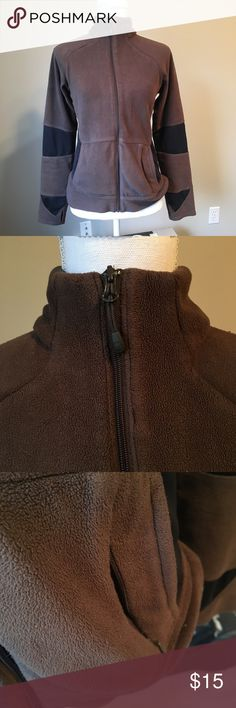 Columbia zip up Size small but fits like small/medium. Brown and black together. Really comfy! Yes it is pre loved and in really good shape. Pics accurately depict the condition. Columbia Jackets & Coats