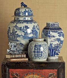 Varios Beautiful Blue & White oriental jars, vases and decor' for any homw Home Ideas Deals For Retail Blue Willow China, Blue And White China, Blue China, Love Blue, Delft, Deco Nature, Chinoiserie Chic, Chinoiserie Wallpaper, Asian Decor