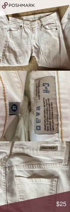 """Citizens of Humanity white denim jeans - USA made Citizens of Humanity - white denim - medium rise skinny jeans - inseam = 24"""" for ankle style cut - very gently used and in like-new condition - waist: 14"""" - inseam: 24"""" Jerome Dahan is the Paris-born creator behind COH jeans. He pioneered the first acid-wash jeans in the 80s working for brand 'Oxygen' and went on to be a key founder of 7FAM jeans. Getting out before the corporate buyout of 7 in 2007, Dahan founded COH. Dahan's signature is…"""