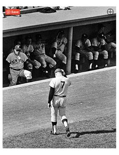 A classic photograph from Sept. New York Yankees Mickey Mantle, after his last at bat in Fenway Park in Boston. My Yankees, New York Yankees Baseball, Baseball Art, Mlb Players, Baseball Players, The Mick, Baseball Classic, Baseball Pictures