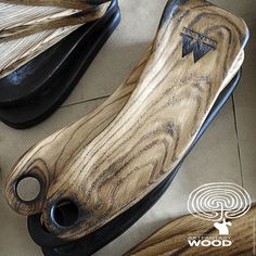 Diy Wooden Projects, Wooden Diy, Handmade Wooden, Wood Crafts, Wood Pallet Art, Wood Pallets, Olive Wood Cutting Board, Epoxy Resin Wood, Pallet Designs