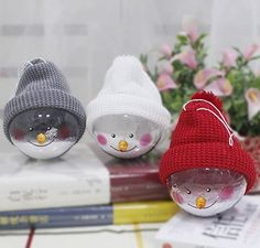 Christmas Snow Globes, 3 Colors Christmas Gift Home Decor Artificial Snowballs Ornaments Dome Snow Globe with Funny Hats