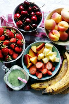 cityboy-vegan: elephantsarevegan:  Fruit fruit and more fruit....
