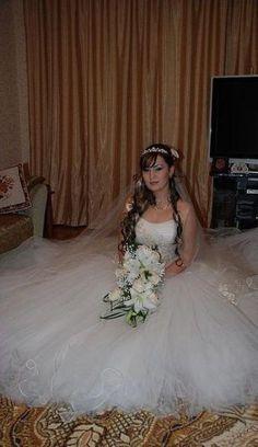Невеста Махачкалы Girls Dresses, Flower Girl Dresses, Wedding Dresses, Flowers, Fashion, Dresses Of Girls, Bride Dresses, Moda, Dresses For Girls