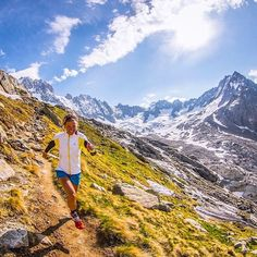 Welcome to #RunnerLand  #Photo: @tinaemelie  The trail to couvercle hut it's amazing! Glaciers and alpine summits all around you!  Lets follow us & tag #RunnerLand in your photos for featured