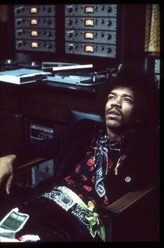 Jimi Hendrix in studio