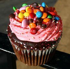 Yum...Image....Looks like chocolate ganache under the buttercream...Yum