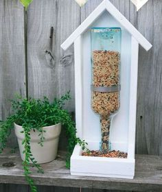 15 Incredible Backyard Ideas Using Empty Wine Bottles Hometalk Highlights's discussion on Hometalk. 15 Incredible Backyard Ideas Using Empty Wine Bottles – Your might want to save your empty wine bottles when you see. Outdoor Projects, Wood Projects, Woodworking Projects, Outdoor Decor, Outdoor Living, Woodworking Plans, Outdoor Spaces, Design Projects, Woodworking Quotes