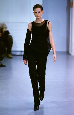 Stella Tennant at Helmut Lang's Fall 1999 show.