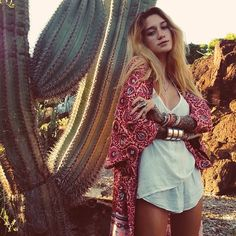 Back on Oahu wearing my favorite @arnhem_clothing kimono and @puravidabracelets