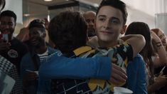 Stranger Things Cast Surprises Fans with Scoops Ahoy - Madie U. Stranger Things Saison 1, Stranger Things Actors, Bobby Brown Stranger Things, Stranger Things Aesthetic, Stranger Things Funny, Stranger Things Netflix, Best Tv Shows, Best Shows Ever, Duffer Brothers