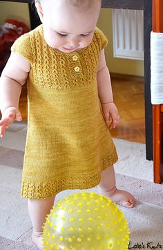 Ravelry: Goldilocks pattern by Justyna Lorkowska. This pattern is off until… Knit Baby Dress, Knitted Baby Clothes, Knitting For Kids, Baby Knitting, Little Fashionista, Knitted Dolls, Knit Or Crochet, Doll Clothes, Knitting Patterns