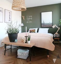 Schlafzimmer Inspiration - New Ideas Apartment Bedroom Decor, Home Bedroom, Bedroom Wall, Bed Room, Basement Bedrooms, Bedroom Green, Bedroom Colors, Bedroom Sets, Bedding Sets
