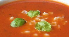 Przepis na zupę pomidorową z bazylią: Każdy to wie, że bazylię z pomidorem cudownie się je! Zgodnie z tymi słowami, na nasze wielkie szczęście powstała zupa pomidorowa z bazylią. Ten przepis jest prosty i bardzo smaczny. Mogę go tylko dalej polecać! Soup Recipes, Recipies, Soups And Stews, Thai Red Curry, Beans, Food And Drink, Vegetables, Cooking, Ethnic Recipes