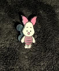 disney winnie the pooh piglet 2008 trading pin free shipping