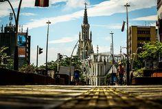 Bulevar del Río, el espacio que le cambio la cara a #Cali #PorCaliLoHagoBien #MiCaliSoñada Journey, Cathedral, Building, Travel, Travel Hacks, Nun, Walks, Parks, Colombia