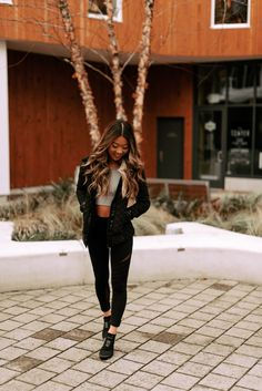I'm SO glad the active and leisure wear trends have stuck around because some of my favorite outfits are leggings, crop tops, and a killer pair of sneakers. Gym Outfits, Dance Outfits, Fashion Outfits, Mesh Leggings, Tops For Leggings, Affordable Activewear, Pilates Clothes, Nike Vapor, Pregnancy Outfits