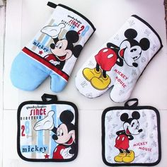 100% Cotton Mickey Microwave Oven Glove & Potholder Set