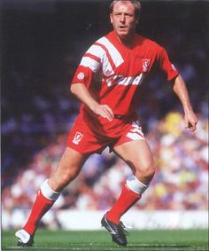Liverpool FC midfield general Steve McMahon during the 1991-92 season. #LFC #legend