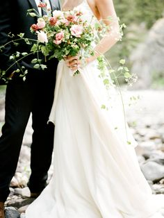 Pretty wild summer bouquet: http://www.stylemepretty.com/montana-weddings/bozeman-montana/2015/08/28/modern-elegant-montana-bridal-session/ | Photography: Danford Photography - http://www.danfordphotography.com/