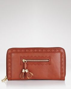 I have been looking for a great new wallet - this one fits the bill - no pun intended ;)