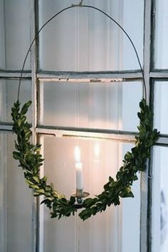 Swedish Christmas wreath...looks easy enough to make...