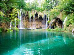 Image issue du site Web http://images.salaun-holidays.com/croatie-dubrovniketlacroatie.jpg