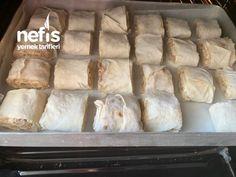 Mantı Tadında Yoğurt Soslu Tavuklu Börek Pizza, Bread, Food, Brot, Essen, Baking, Meals, Breads, Buns