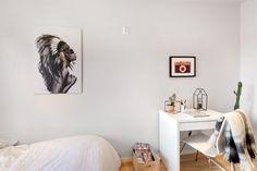 FINN – EN NORDISK BOLIGDRØM PÅ ST.HANSHAUGEN - Åpen og lys 3-roms leilighet - Stort og sosialt spisekjøkken - Koselig balkong mot bakgård - IN ordning på fellesgjeld - V.vann og fyring inkl. i husleien Oslo, Gate, Real Estate, Furniture, Design, Home Decor, Rome, Real Estates, Decoration Home