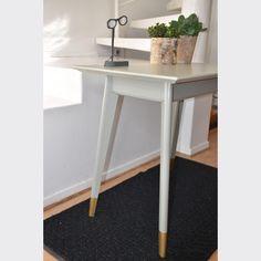 Petite table ou bureau
