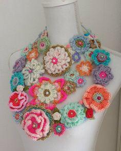 Uhm.....welke wordt het vandaag?? #happyfriday #flowerpower #crochetday…