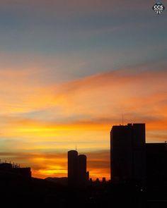 Te presentamos la selección del día: <<ATARDECERES>> en Caracas Entre Calles. ============================  F E L I C I D A D E S  >> @ilianazerpa << Visita su galeria ============================ SELECCIÓN @teresitacc TAG #CCS_EntreCalles ================ Team: @ginamoca @luisrhostos @mahenriquezm @teresitacc @floriannabd ================ #atardecer #1atardecervenezolano #Caracas #Venezuela #Increibleccs #Instavenezuela #Gf_Venezuela #GaleriaVzla #Ig_GranCaracas #Ig_Venezuela #IgersMiranda…