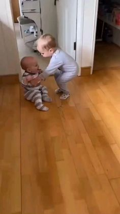 Cute Funny Baby Videos, Cute Funny Babies, Funny Animal Videos, Funny Cute, Funny Kids, Cute Kids, Cute Little Baby, Little Babies, Feel Good Videos