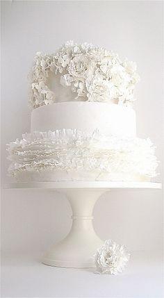 Found on WeddingMeYou.com - Elegant White Wedding Cake Ideas #weddingcake