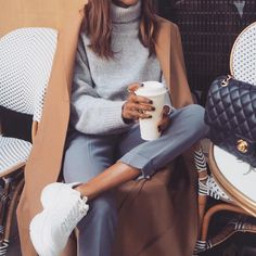 Black, White and Grey Outfits Inspiration Mode Outfits, Chic Outfits, Fashion Outfits, Preppy Winter Outfits, Fall Outfits, Ootd, University Style, University Fashion, Boho Fashion