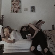 dominique x molly Cute Lesbian Couples, Cute Couples Goals, Couple Goals, Gay Aesthetic, Couple Aesthetic, Best Friend Pictures, Friend Photos, Cute Relationships, Relationship Goals